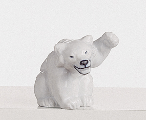 RC 1003233 Bear, with Raised Paw