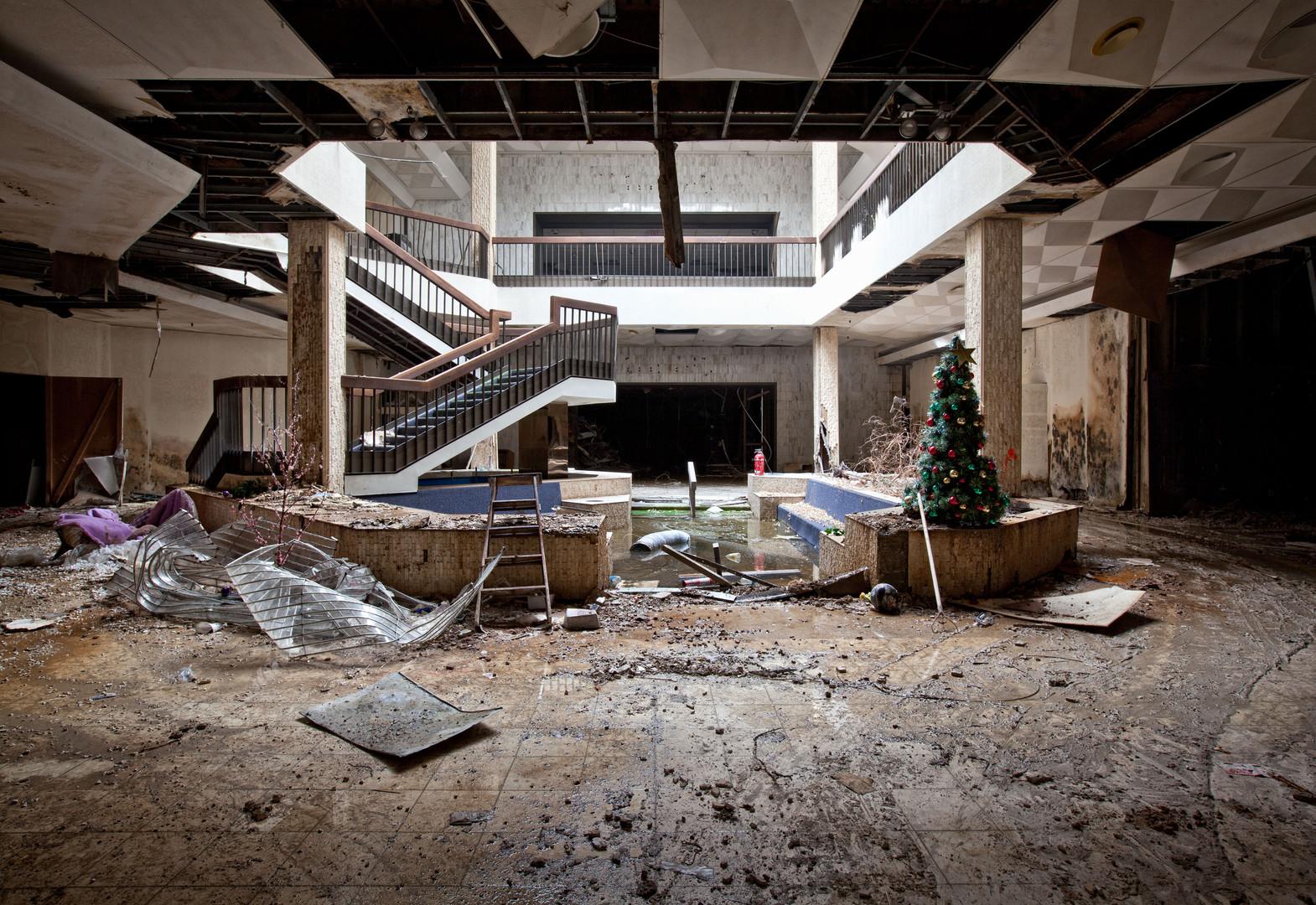 Randall Park Mall | Hidden In Shadows