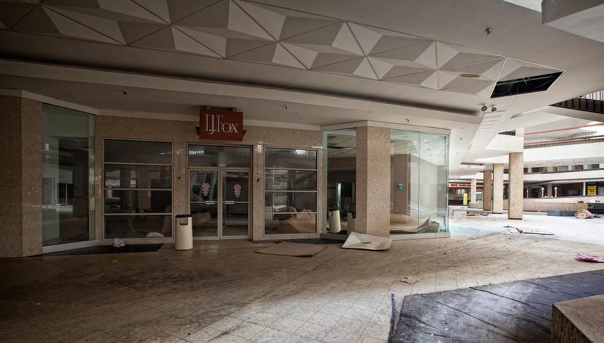 Randall Park Mall | I.J. Fox Entrance