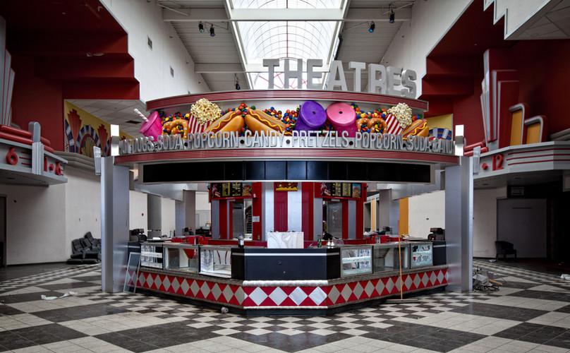 Randall Park Mall | Magic Johnson Theatr