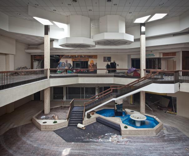 Randall Park Mall | Odd Geometry