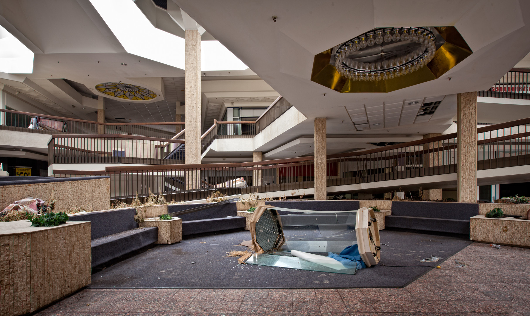 Randall Park Mall | Destroyed Display Ca