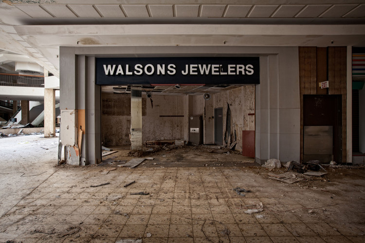 Randall Park Mall | Walsons Jewelers