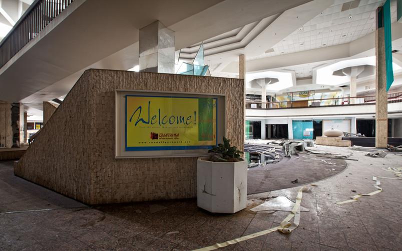 Randall Park Mall | Welcome! Food Fashio