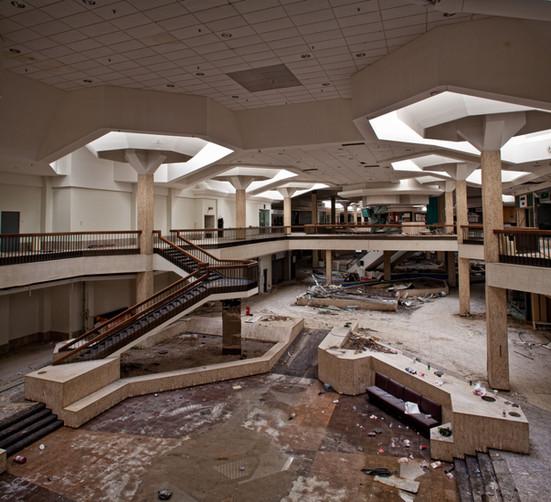 Randall Park Mall | DeBartolo's Columns