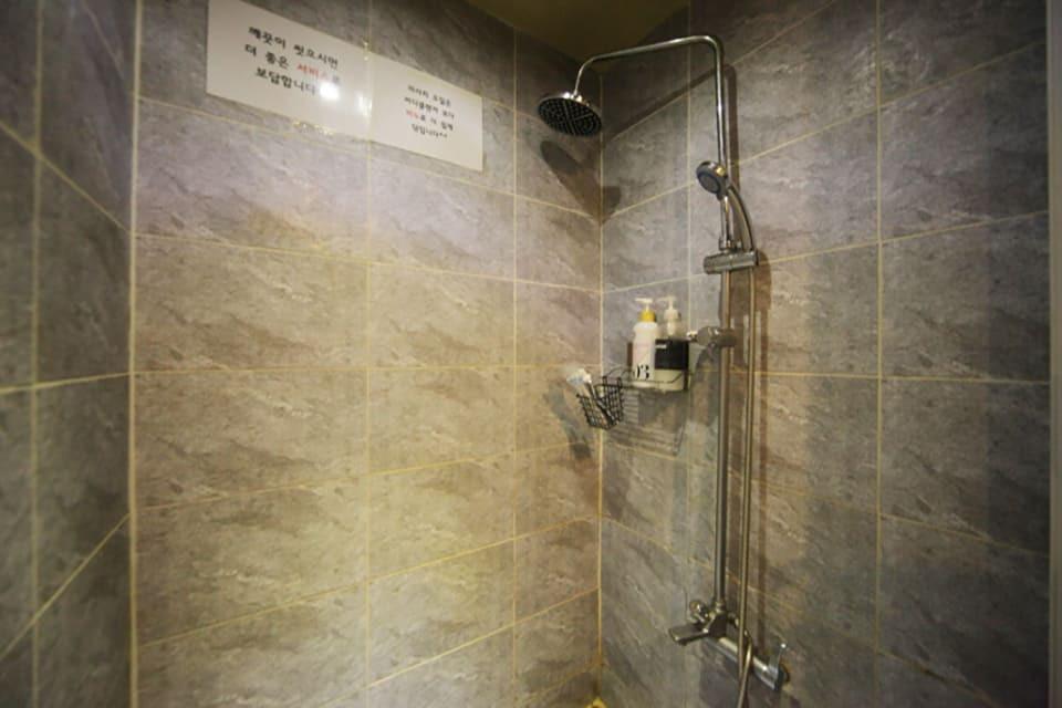 대전 갈마동 가인스웨디시 샤워실