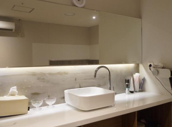 중동 아로마 마사지 화장실
