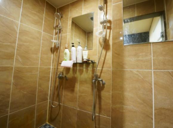 강남 아로마 마사지 샤워실