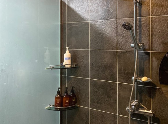 안양 스웨디시 마사지 샤워실