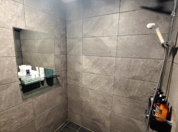 부산 한국인 마사지 샤워실