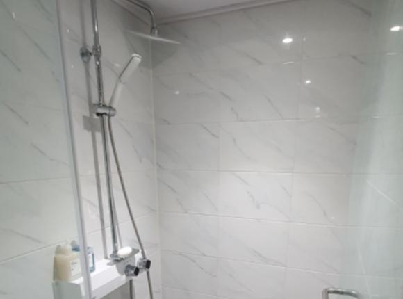 강남 한국인 마사지 샤워실