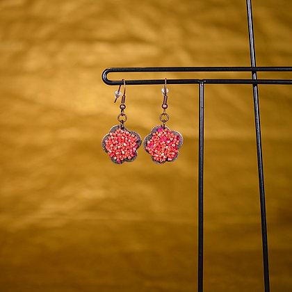 Boucles d'oreille fleur rose et rouge