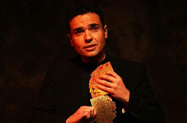 2-Marc-Oberon-Performing-Cabaret-705x465