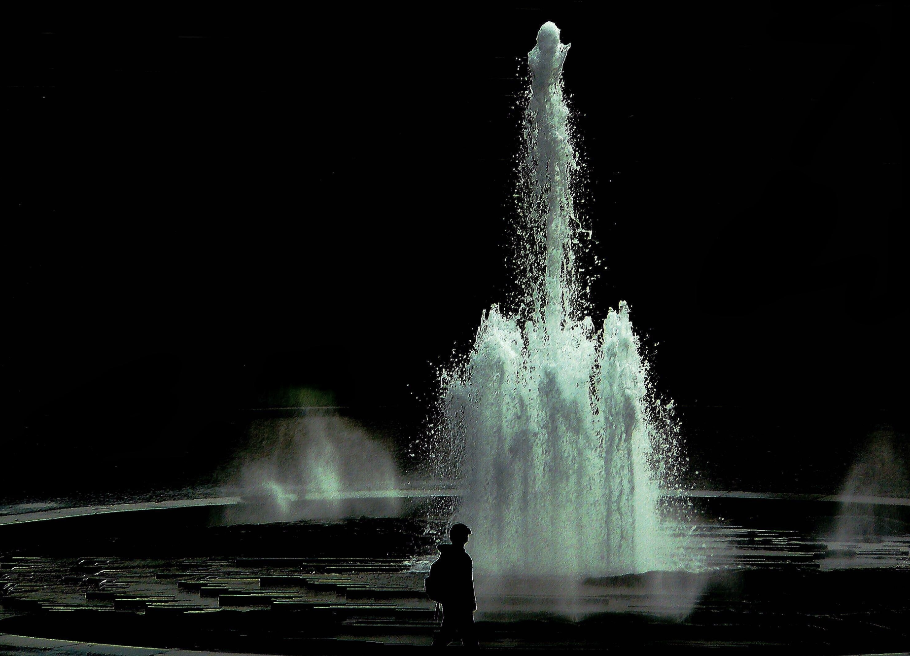 fountain-264858_edited.jpg