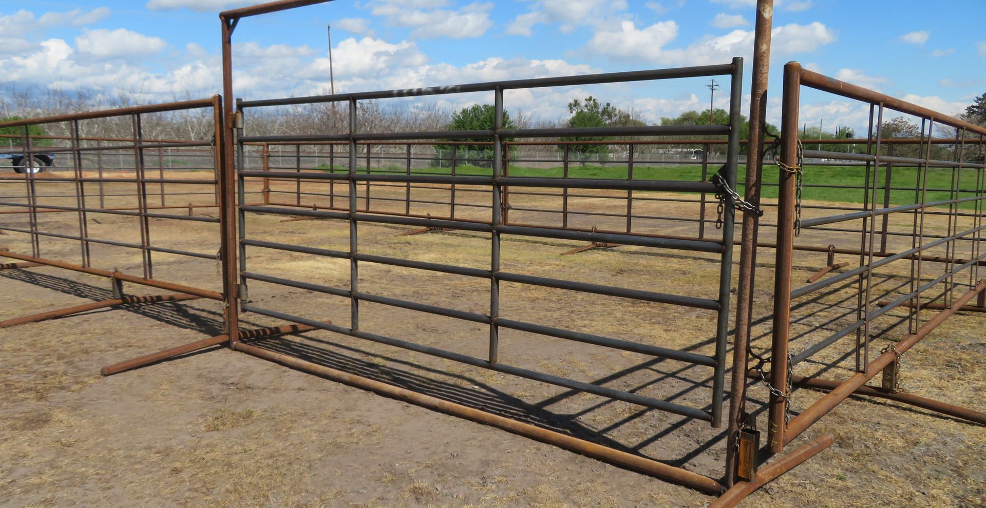 12' Freestanding Bow Gate