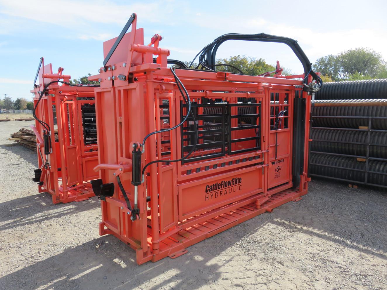 CattleFlow Hydraulic Chute with Honda Gas Engine