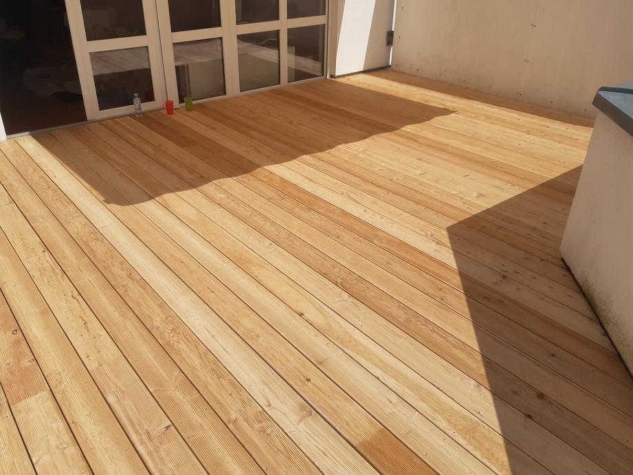 Holz-Terrasse_Lärche_natur_(1).jpg