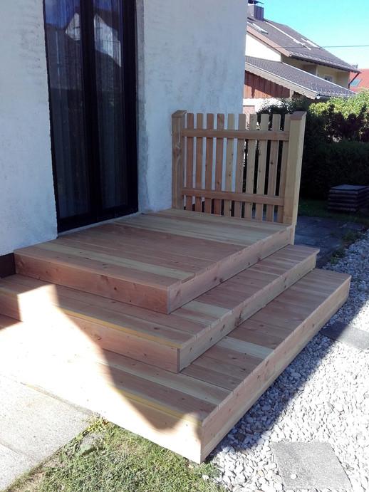 Holzterrasse bzw. -treppe, Douglasie ger