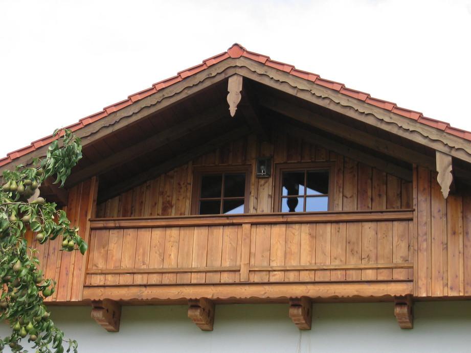Balkon (sog. Katzenlaube), Fichte lasier