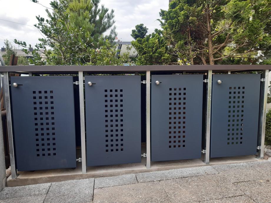 Müllbox_4er,_Grundgestell_Stahl_verzink