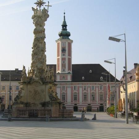 Rathausplatz.JPG