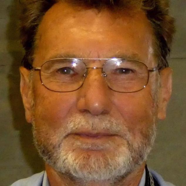 Schuster Helmut