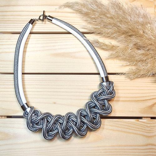 Ayla nyaklánc - ezüstszürke