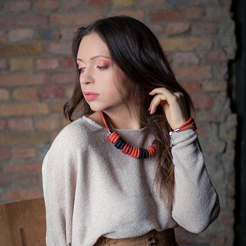Nara kötél nyaklánc - téglavörös/ fekete