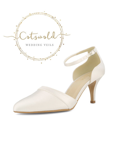 Beautiful Bridal Shoes, Ivory Satin Brides Shoes, Mid to High Heel , Ankle Strap