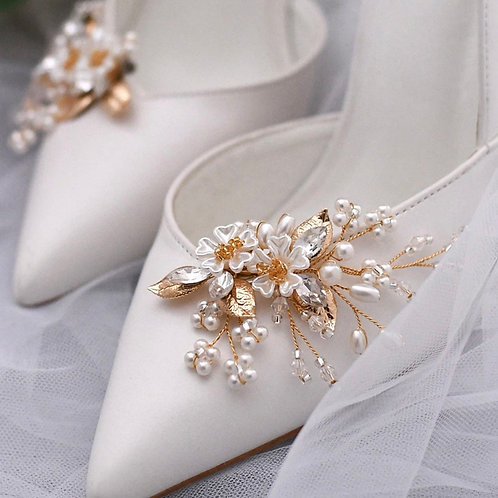 Beautiful Bridal Shoe Clips, Shoe Brooches, Crystal & Pearl Gold