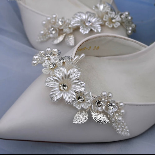 Beautiful Silver Flower & Pearl Bridal Shoe Clips, Shoe Brooches, Shoe Buckles,