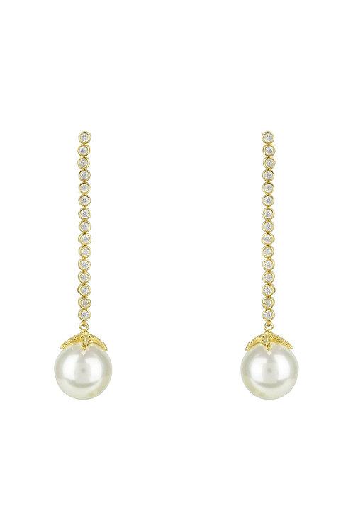 Pearl Majorica Long White Drop Earrings Gold