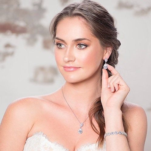 Chic Crystal Necklace, Available in Silver or Rose Gold,  Wedding Jewellery, Bri