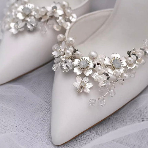 Beautiful Bridal Shoe Clips, Crystal & Pearl Floral Brooches