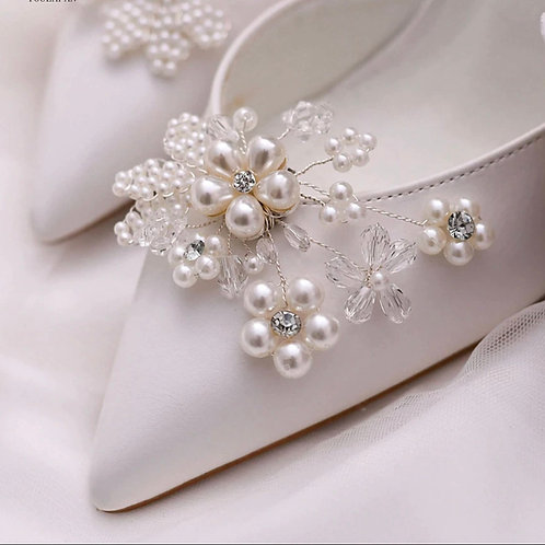 Beautiful Pearl Flower Bridal Shoe Clips, Shoe Brooches, Shoe Buckles, Crystal P