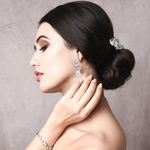 Exquisite Starlet Earrings, Available in Silver or Gold, Bridal Accessories, Bri