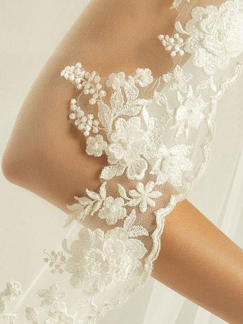 "79"" Beautiful Lace Edge - Single Layer Soft Tulle Veil"