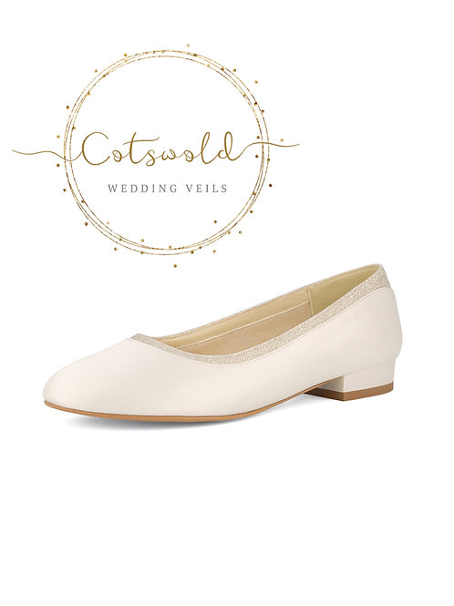 Beautiful Bridal Shoes, Classic Ivory Satin  Low Pumps Shoes, Low Heel, Slip on