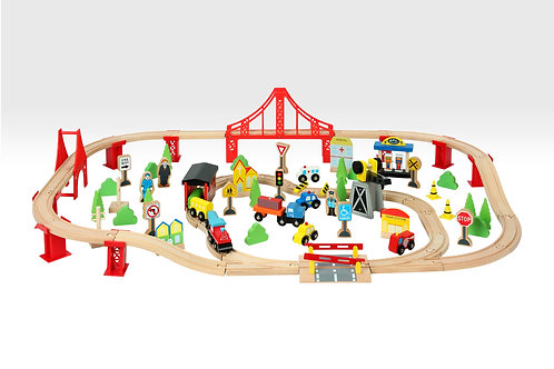 100 Piece trainset by Beehive