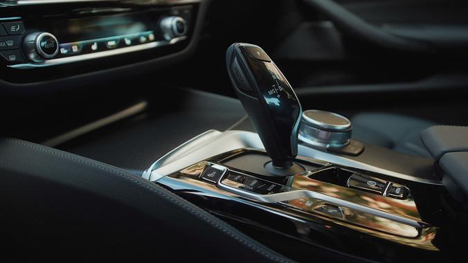 Atnaujinto BMW 5 pristatymas