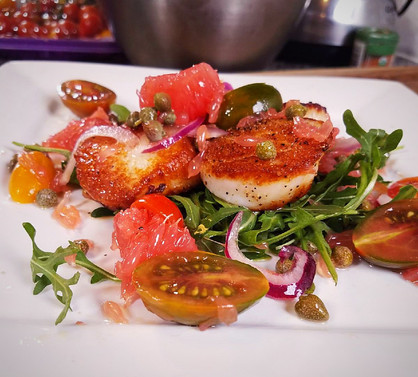 Succulent Scallops with Grapefruit Arugula Caper Salad
