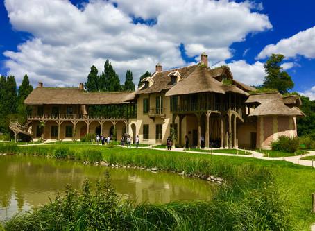 Le hameau de la reine: un village à l'ombre du château de Versailles