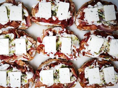 croque bacon chèvre pesto.jpeg