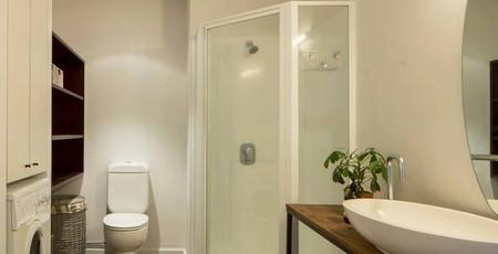 High St. NZ bathroom.jpg