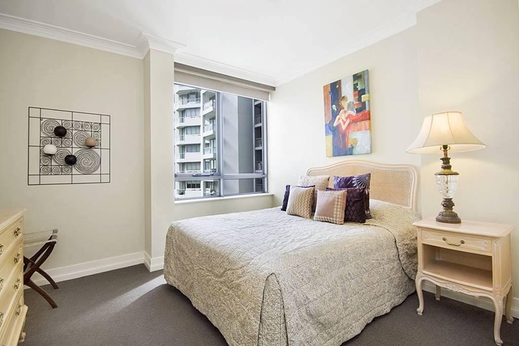 Milsons Point bedroom.jpg