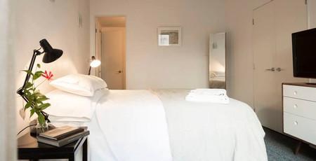 High St. NZ bedroom 1.jpg