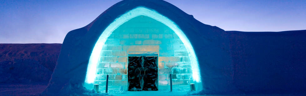 sw6pl_Entrance to Icehotel.jpg