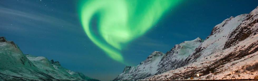 Northern_Lights_Tromso_Norway_331515.jpg