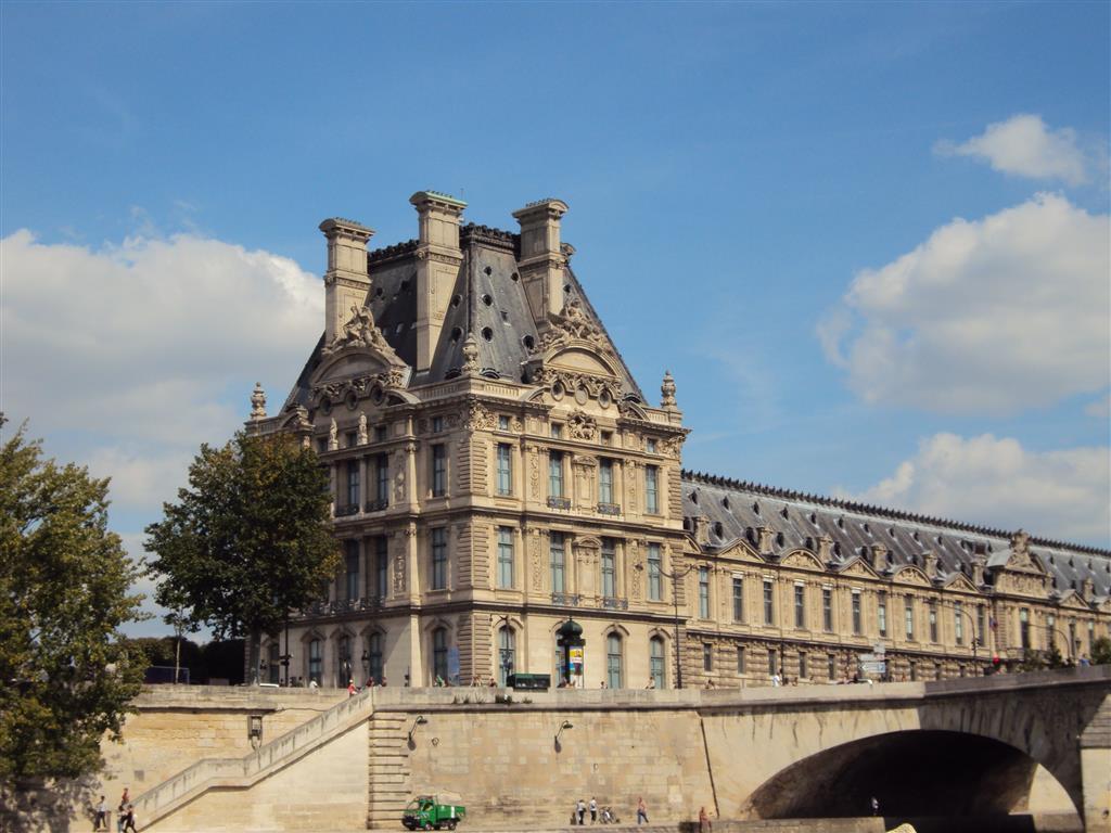 VISTA DAL BATEAUX PARISIEN