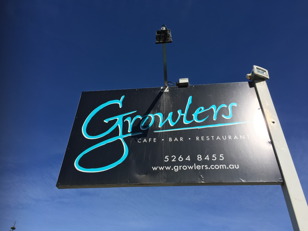 GROWLER'S